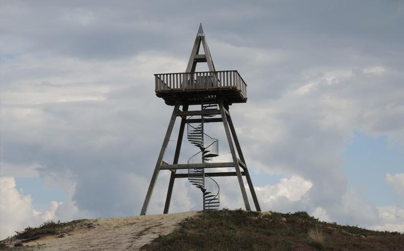rivierduinenroute-uitkijktoren-afferden-voetzoekers
