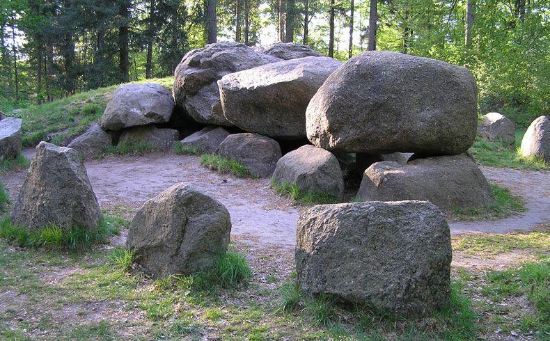 voetzoekers-archeologische-route-sleenerzand-papeloze-kerk-hunebed-d49-2