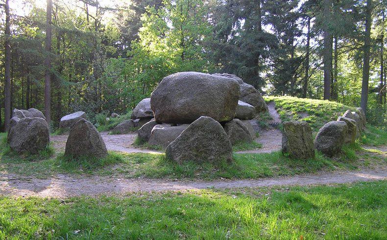 voetzoekers-archeologische-route-sleenerzand-papeloze-kerk-hunebed-d49